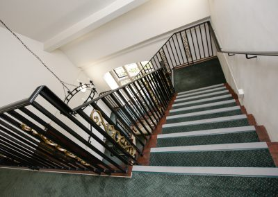 Main Stairs 2-1st Fl (a)